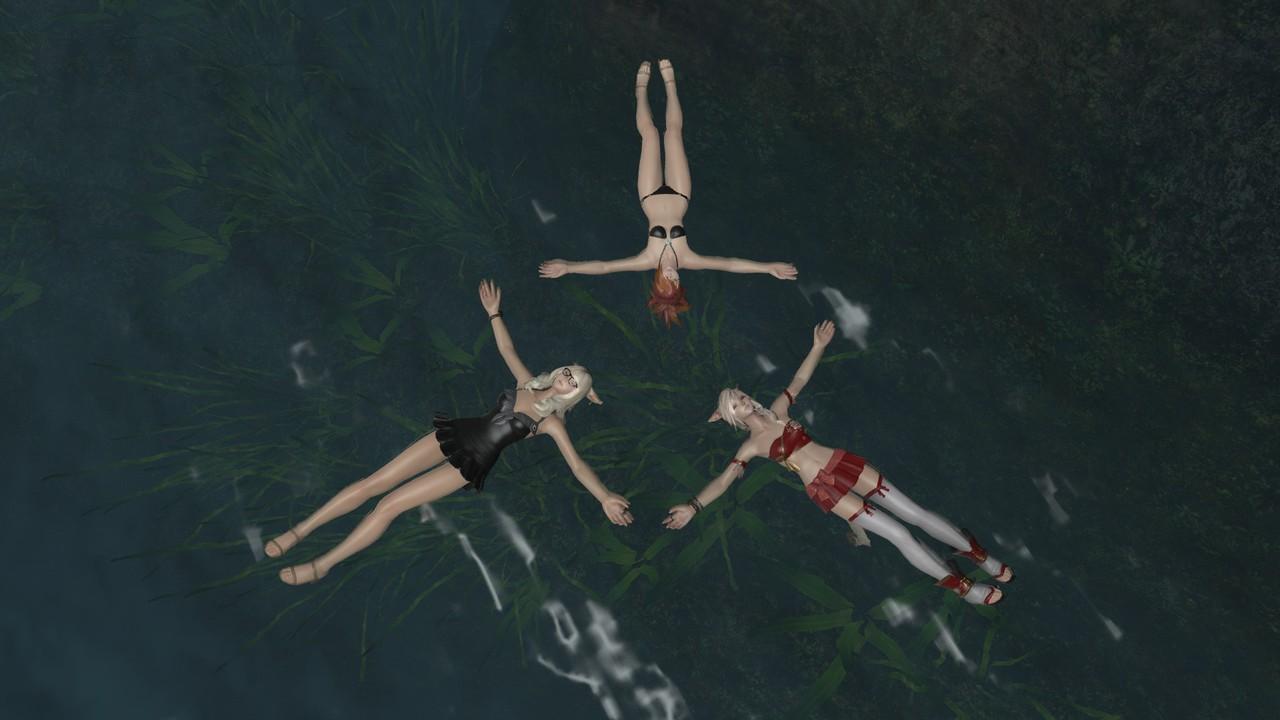 Jenji, Deithwen and Kakysha taking a swim